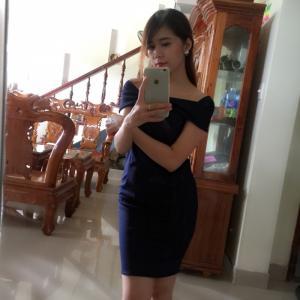 Váy ôm body ánh kim kiêu sa