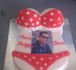 Bánh sinh nhật Bikini