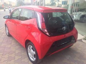 Giao ngay xe mới nhập khẩu Toyota Aygo màu đỏ, baỏ hành 36 tháng