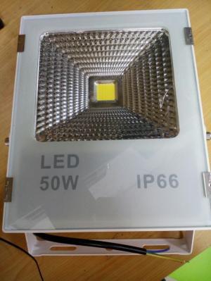 Đèn pha led vỏ trắng 50W xuất xứ Đài Loan