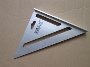 Thước tam giác bằng nhôm, vật liệu dày 4mm, chất lượng tốt: 150k/cái Cửa hàng dụng cụ làm gỗ handmade chuyên cung cấp các loại dụng cụ làm gỗ cho những người có sở thích DIY