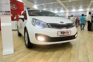Xe Rio nhập khẩu nguyên chiếc,giá cực ưu đãi