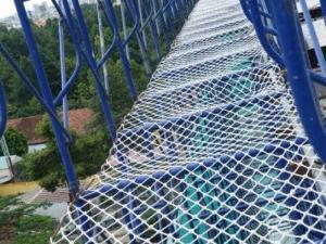 Công ty lắp đặt và cung cấp lưới chắn khe hở cầu thang an toàn cho trẻ em