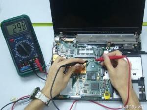 Chuyên sửa laptop bặt không lên nước vào lấy ngay