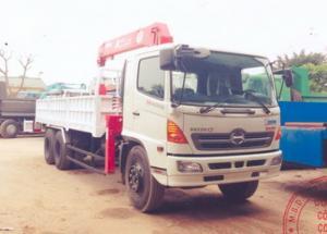 Xe tải Hino FL8JTSA gắn cẩu Unic 5 tấn 5 đốt...