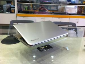 Laptop Toshiba P55 core i7 Broadwell Full HD Touch