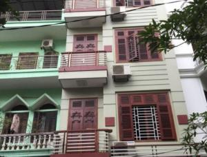 Bán gấp nhà phố Nguyễn Sơn, Long Biên 60m, 3.3 tỷ, ở ngay, ô tô.
