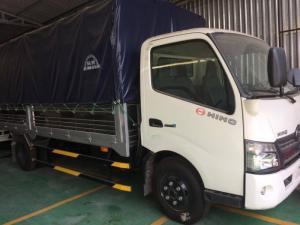 Bán xe tải Hino XZU730 giá tốt, 5 tấn, thùng mui bạt