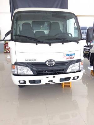 Xe tải Hino XZU650 giá tốt, 1.5 tấn, thùng mui bạt