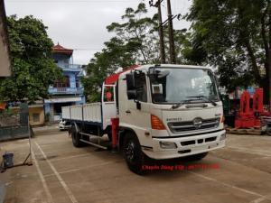 Xe tải Hino FC9JLSW gắn cẩu Unic 3 tấn 4 đốt...