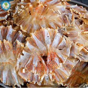 Khô cá đuối xẻ tẩm gia vị Phú Quốc, món ngon dân dã từ biển cả, giàu dinh dưỡng.