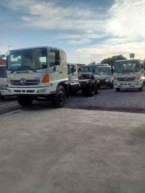 Xe tải Hino - Xe nhập nguyên chiếc