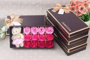 Quà tặng đặc biệt nhân ngày 14/2 - Hoa Hồng Sáp Thơm 12 Bông Kèm Gấu cực dễ thương - MSN383088