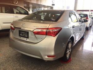 Toyota Altis giao xe ngay trong ngày. Giảm...