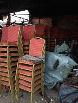 Cần thanh lý 300 ghế nha hàng giá rẻ nhất