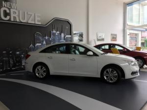 Chevrolet Cruze LTZ MY16, liên hệ   Ms. Uyên Chevrolet để được hỗ trợ và nhận giá ưu đãi