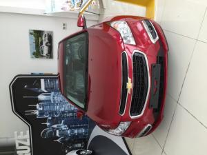 Chevrolet Cruze LT, giá cạnh tranh, liên hệ Ms.Uyên để được hỗ trợ và nhận giá ưu đãi