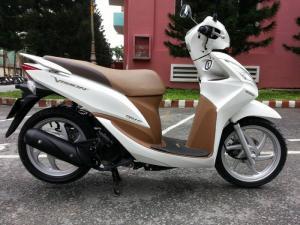 Honda Vision 110Fi Trắng 2014 Xe Trùm Mền Mới Lăn Bánh 2000Km - 1 Đời Chủ