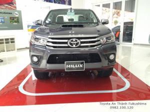 Khuyến Mãi Mua xe Toyota Bán Tải Hilux 2.8G Số Tự Động 2 Cầu nhập khẩu Thái Lan Màu Xám. Mua Trả Góp Chỉ 220Tr
