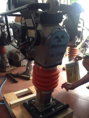Máy xây dựng máy đầm đất Mikasa MT72 giá tốt