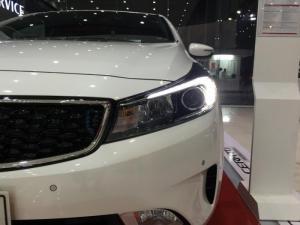 [ Tiền Giang ] : Kia Cerato ưu đãi lên đến 56tr đồng trong tháng 12. Sở hữu ngay Kia Cerato 1.6 AT chỉ với 200tr