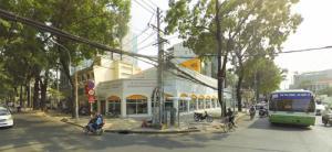 Cho thuê nhà 50-52 Phạm Ngọc Thạch, GÓC 2 mặt tiền gồm 1 trệt 2  lầu vị trí cực kì sầm uất náo nhiệt GÓC 2 mặt tiền đẹp nhất Quận 3, phù hợp kinh doanh đa ngành nghề.