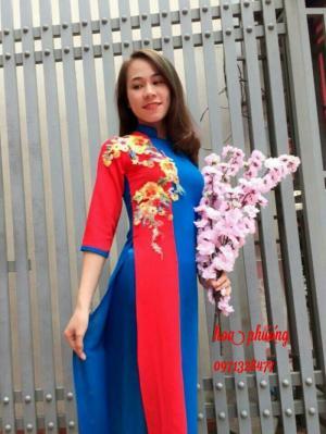 Trang phục biểu diễn hoa phượng đắc nông