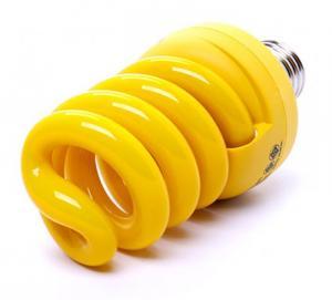 Xuất xứ: Thái Lan - Chất liệu: Nhựa + hợp kim - Màu sắc: Vàng - Công suất: 18W - Độ bền: 6000 giờ
