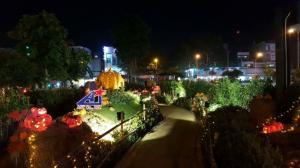 Nhận thiết kế, thi công mô hình trang trí Halloween sân vườn biệt thự, villa