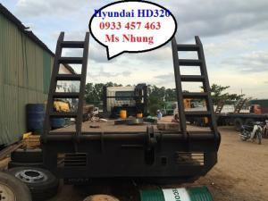 xe chở máy HD320 hyundai, hyundai HD320 chở máy công trình, giá xe nâng đầu 15 tấn,