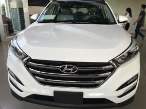 Hyundai Tucson 2016 màu trắng full option