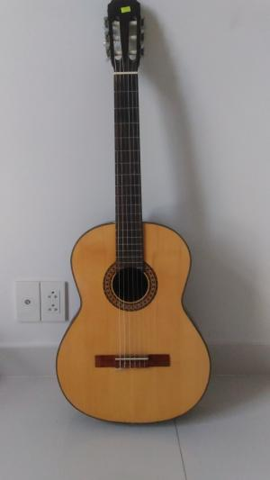Bán guitar Classic - 1050k