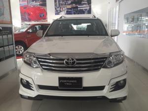 Toyota fortuner 2.7v trd (4x2) giao ngay, km 40 tr pk