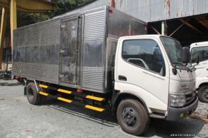 Cần bán Hino tải 4 tấn WU342L 110HD, thùng kín nhập khẩu nguyên chiếc
