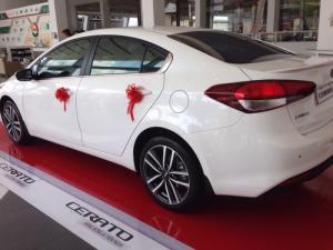 Kia Cerato 2016, ưu đãi đến 48 triệu, tặng nhiều quà tặng hấp dẫn, hỗ trợ ngân hàng đăng ký giao xe tận nhà