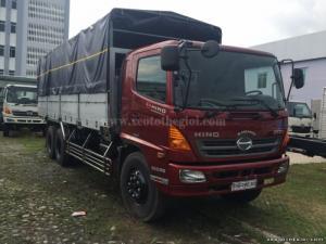 Bán xe tải Hino FL8JTSL 3 chân 9m3 thùng mui bạt, có vay, bán trả góp lãi suất thấp