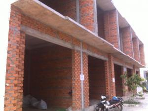 Bán nhà xây thô 1 trệt 1 lầu Khu dân cư Phường 3.