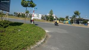 Bán đất ngay khu đô thị  trung tâm thị trấn Bến Lức - giá cực rẻ