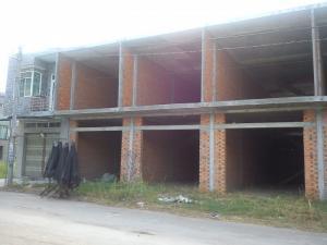 Bán nhà xây thô 1 trệt 1 lầu, 1 tấm sàn tại chợ tân Thành.