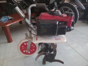 Máy xới đất mini Honda
