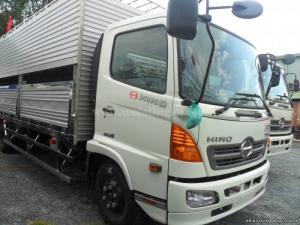 Bán xe tải Hino Nhật Bản FC9JLSW chở Heo 6 tấn, hỗ trợ cho vay 80% giá trị xe.