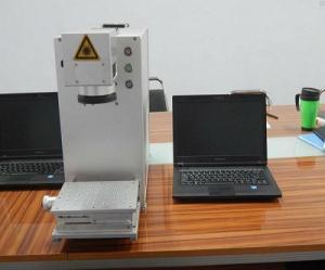 Máy laser fiber khắc kim loại, trang sức, logo
