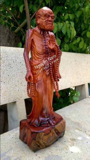 Điêu khắc Nguyễn Nam giới thiệu tác phẩm tượng đạt ma mẫu mới lạ.