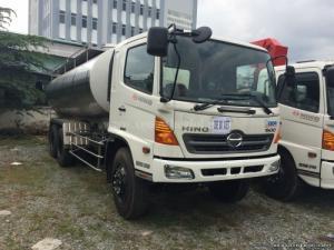 Xe xitéc chở xăng Hino FM8JNSA, thể tích chứa 18.000 lít, mới