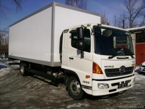 Bán xe tải Hino FG8JPSB 9 tấn thùng kín bảo ôn giá 1 tỷ 120 triệu