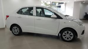 I10 Sedan bản kinh doanh 1.2 số sàn màu trắng...