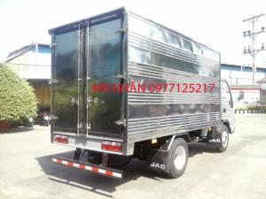 Kích thước thùng xe ( mm) Kích thước lọt lòng thùng:  3720 X 1750 X 1770 mm