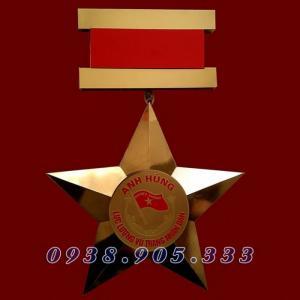 Sản xuất huân chương, chế tác huy chương...