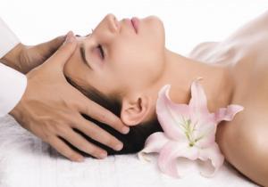 Chương trình xoa bóp bấm huyệt chăm sóc sức khỏe cho vùng chân ( massage foot)
