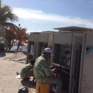 Máy lạnh giấu trần tiết kiệm điện - Lắp đặt hệ thống nhà hàng sang trọng thẩm mỹ nhất
